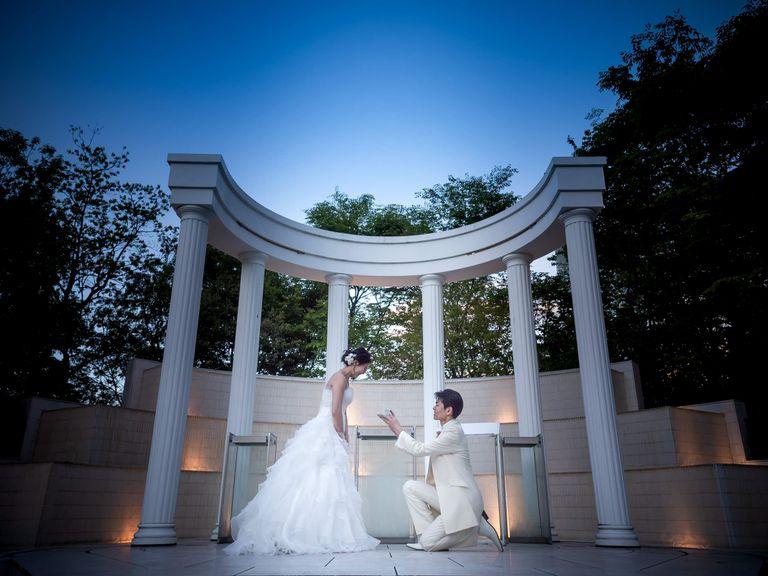 #ウェディングドレス #ガゼボ #プロポーズ #ナイトウェディング|結婚式ならBRAPLA|ブラプラ|