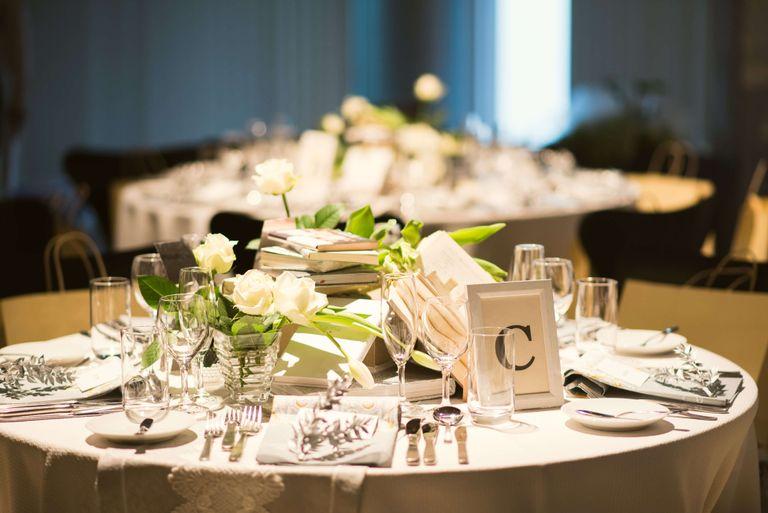 #テーブルコーディネート #ゲストテーブル #テーブル装花 フリープランナーならBRAPLA ブラプラ 
